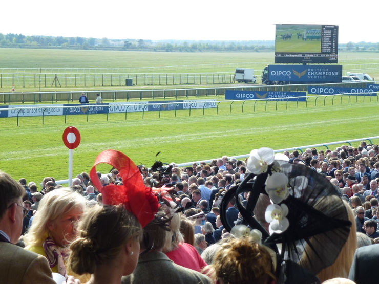 Crowd at the Winning Post at Newmarket's Rowley Mile