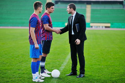 Football Manager Shaking hands with Players