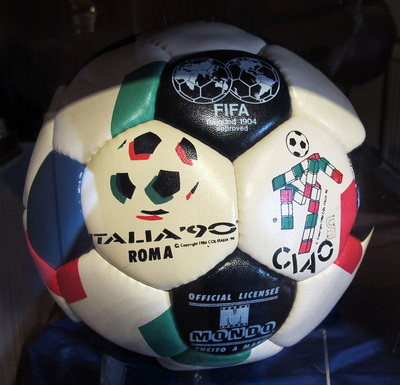 Italia 1990 World Cup Ball