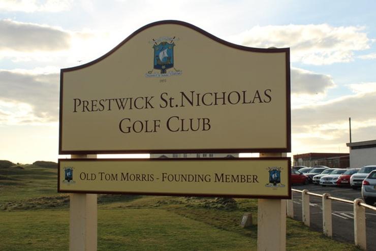 Sign for Pretwick Golf Course