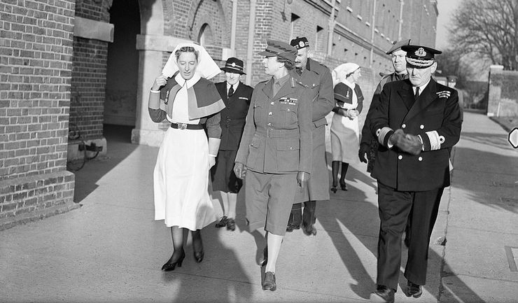 HRH Princess Royal Visiting Royal Navy Hospital in 1943