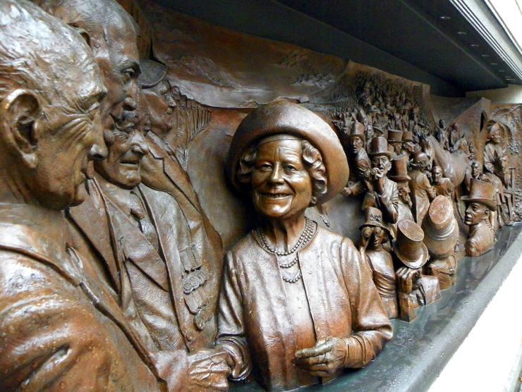 Bronze Memorial to Queen Elizabeth The Queen Mother
