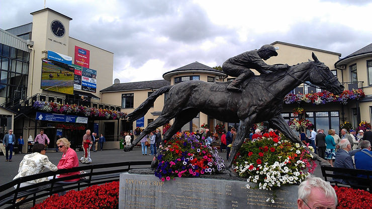 Statue of Irish St Leger Winner Vintage Crop at the Curragh Racecourse