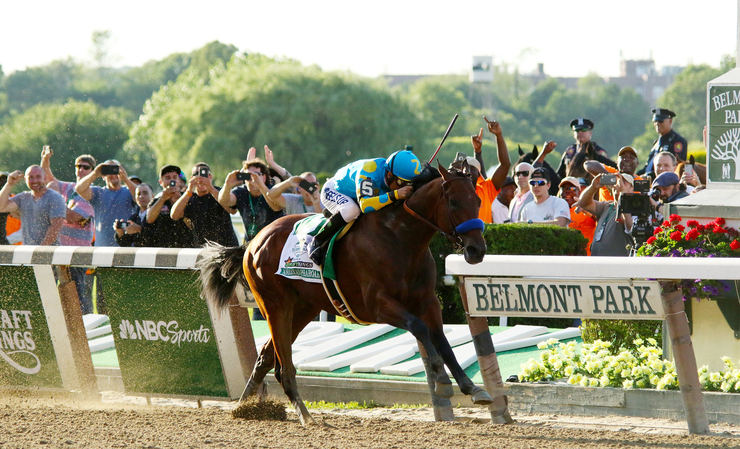 American Pharoah Winning the 2015 Belmont Stakes