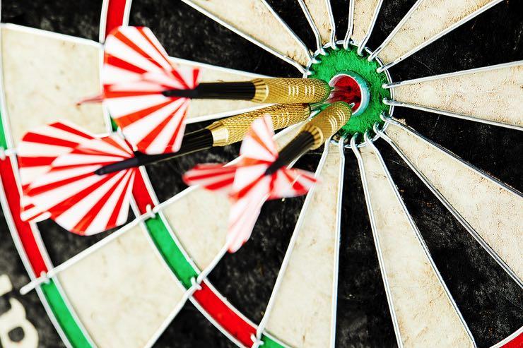 Darts bulls eye concept